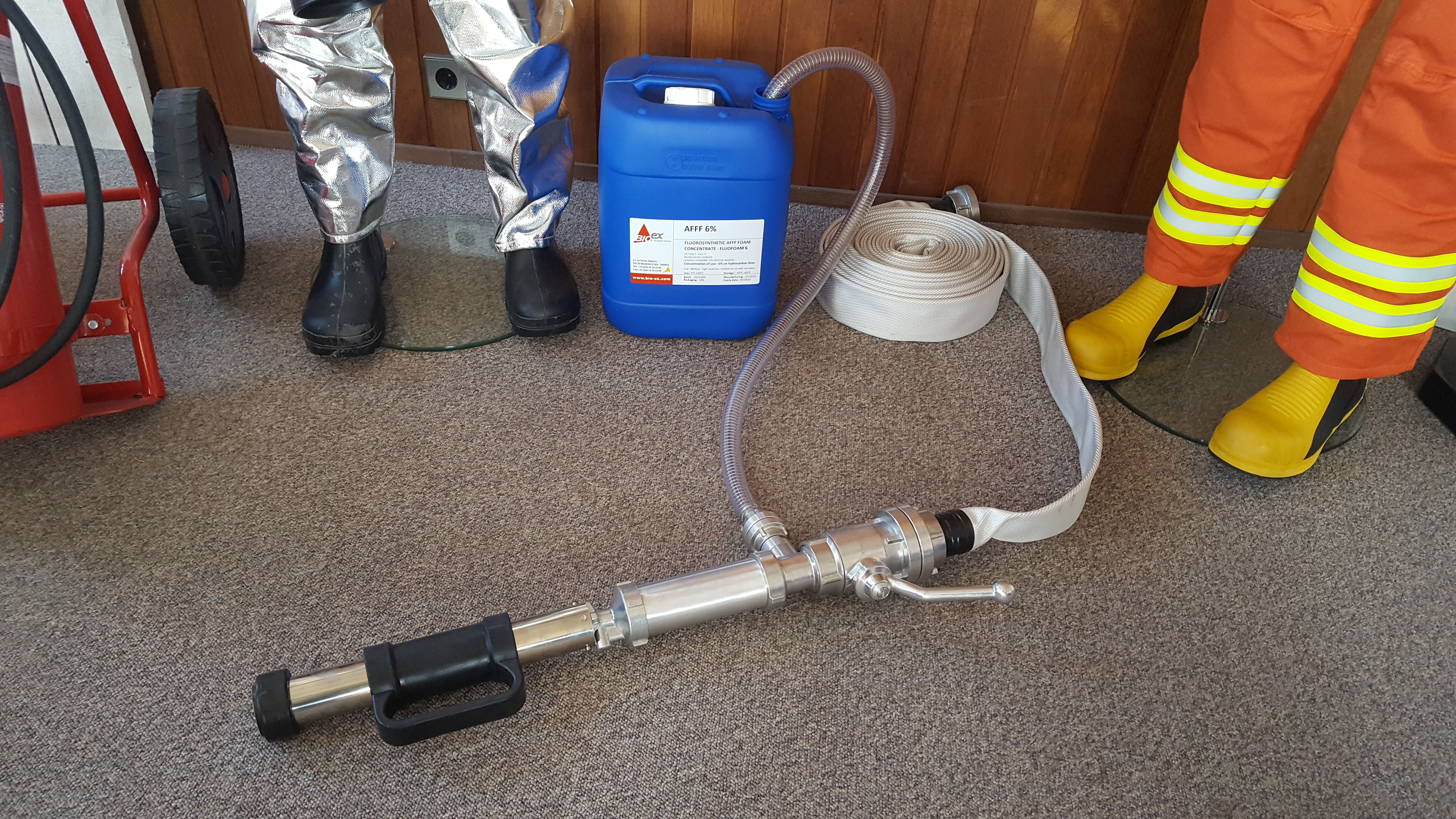Portable Foam Applicator With Tube Products Traconed